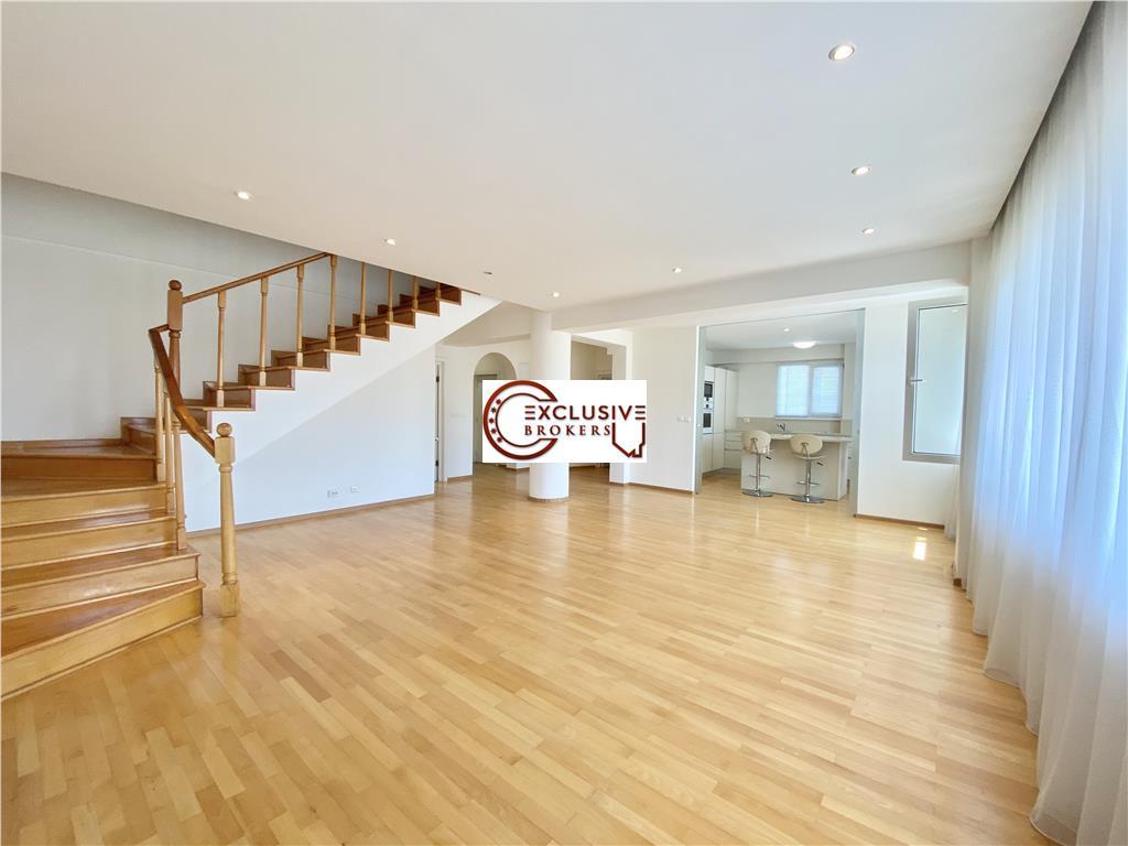 Bright and spacious Triplex| 6 rooms |300 sqm Herastrau | Terrace 40 mp|