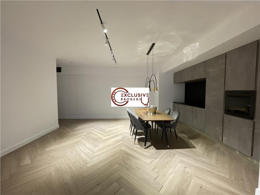 3 camere ultrafinisat//HerastrauLe Club//