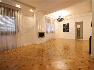 Apartament in vila finisaje lux! Rezidenta sau birouri!