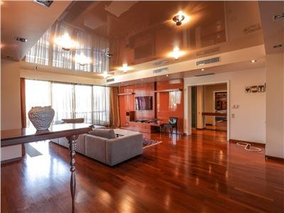 Exclusive Penthouse Washington Residence| 270 sqm | 2 parkings|