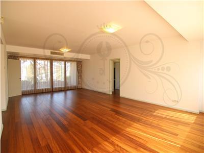 Luxury 3 bedrooms apartment Kiseleff! 2 parkings!